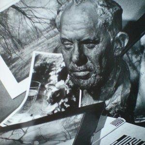 Nový – foto plastiky J.Sudka – reklama na knihu