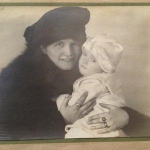 František Drtikol – portrét matky s dítětem